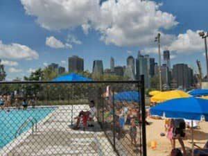 Piscina en Brooklyn Bridge Park