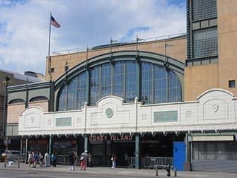 Coney Island en New York - parada de metro