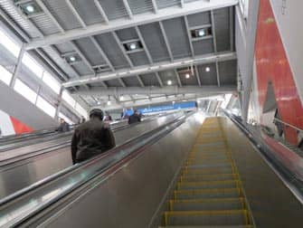 PATH Train en NYC - escaleras mecanicas