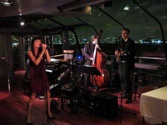 Crucero con cena en Nueva York Bateaux - musica en directo