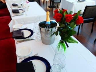 Crucero con cena en Nueva York Bateaux - Cena romantica