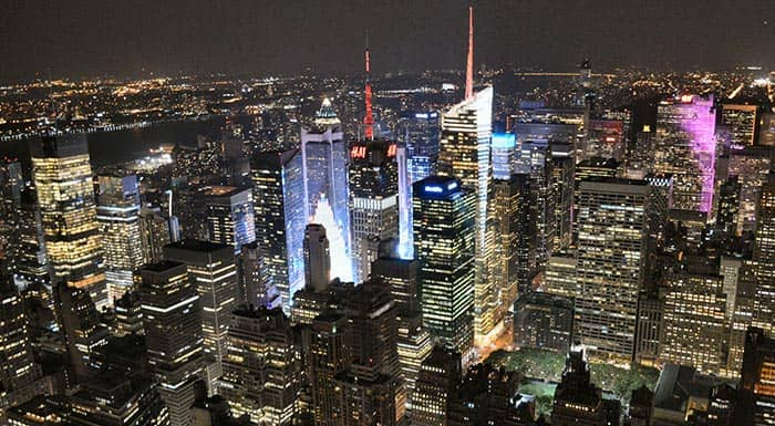 Empire State Building en NYC - vista nocturna