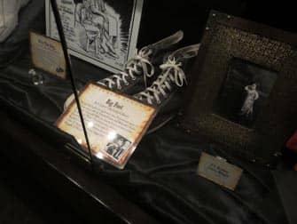 Museo Ripley's Believe It or Not! en Nueva York- zapatillas de deporte enormes