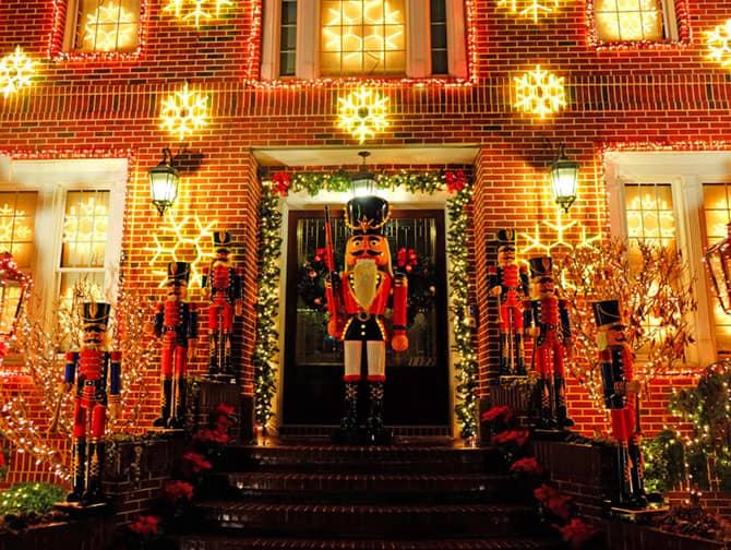 eb5cf0247 Navidades en Nueva York - Decoración Dyker Heights