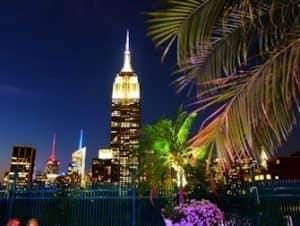 Salir por la noche en Midtown Nueva York