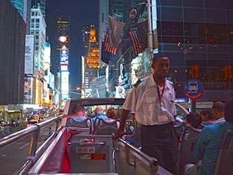 Big Bus en Nueva York por la noche
