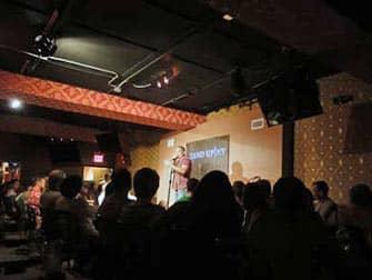Clubs de comedia en Nueva York - humorista