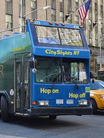 Bus hop on hop off en Nueva York CitySights bus azul