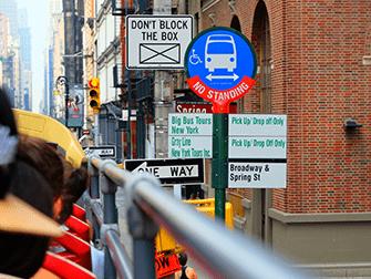 Bus hop on hop off en Nueva York - Parada del bus