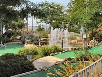Parques en NYC - Mini-Golf en Pier 25