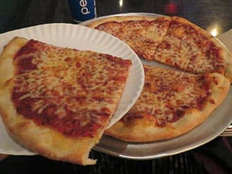 Two Boots Pizza en NYC
