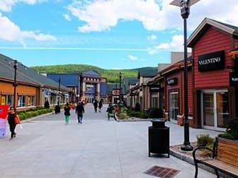 Woodbury Common Premium Outlet Center en Nueva York - Tiendas