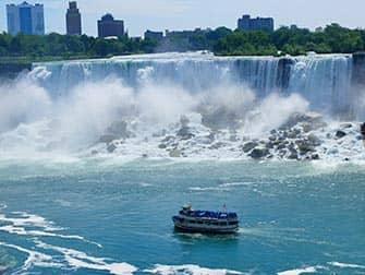 Excursion de 2 dias a Niagara Falls - Paseo en barco