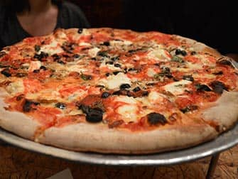 Comer con ninos en Nueva York - Pizza en Johns