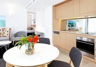 3 hoteles bien situados, a buen precio y con cocina en la habitación en NY