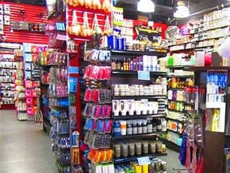 Maquillaje en Nueva York - Rickys NYC interior