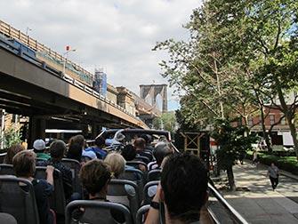 Bus hop on hop off CitySights en Nueva York - Brooklyn Bridge