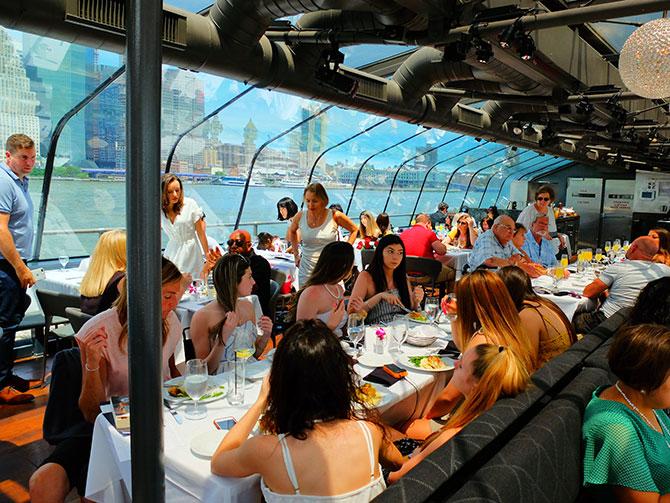 Bateaux crucero con almuerzo en Nueva York - Comida
