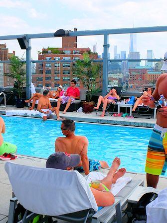 Nadar en Nueva York - Royalton Hotel